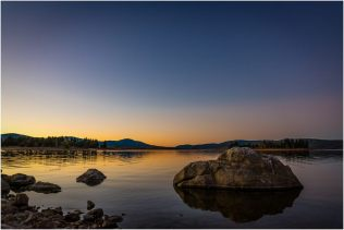 Sunset on Lake Jindabyne