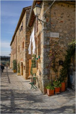 Another street seen in Monteriggioni.