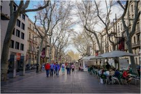 A tree-lined pedestrian street that stretches for 1.2 kilometres connecting Plaça de Catalunya with the Christopher Columbus Monument at Port Vell.